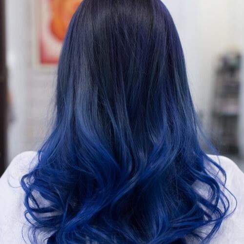 Синее омбре на тёмные волосы